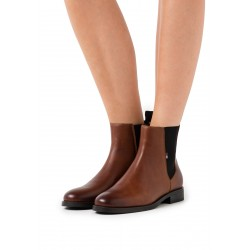 TOMMY BOTIN ESSENTIAL POINTY CHELSEA MARRON