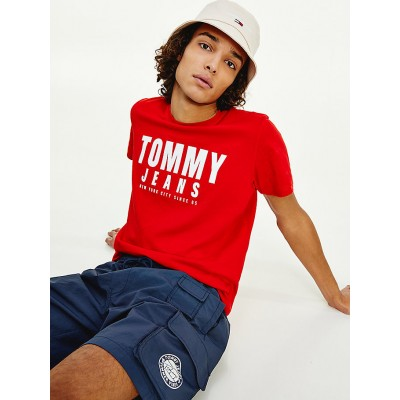TOMMY JEANS CAMISETA CENTRE CHEST TOMMY GRAPHIC DEEP CRIMSON